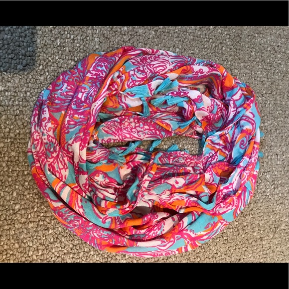 Lilly Pulitzer Accessories - Lilly Pulitzer Infinity Loop Scarf